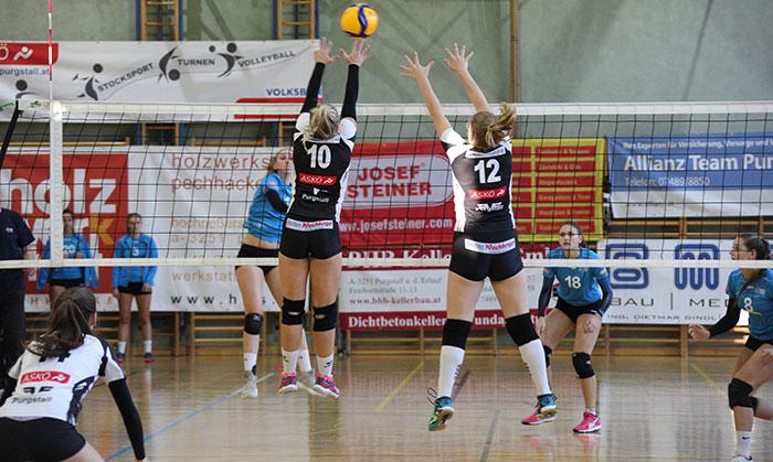 Sarah Kastenberger und Fiona Ludwig im Doppelblock gegen Bisamberg/Hollabrunn.